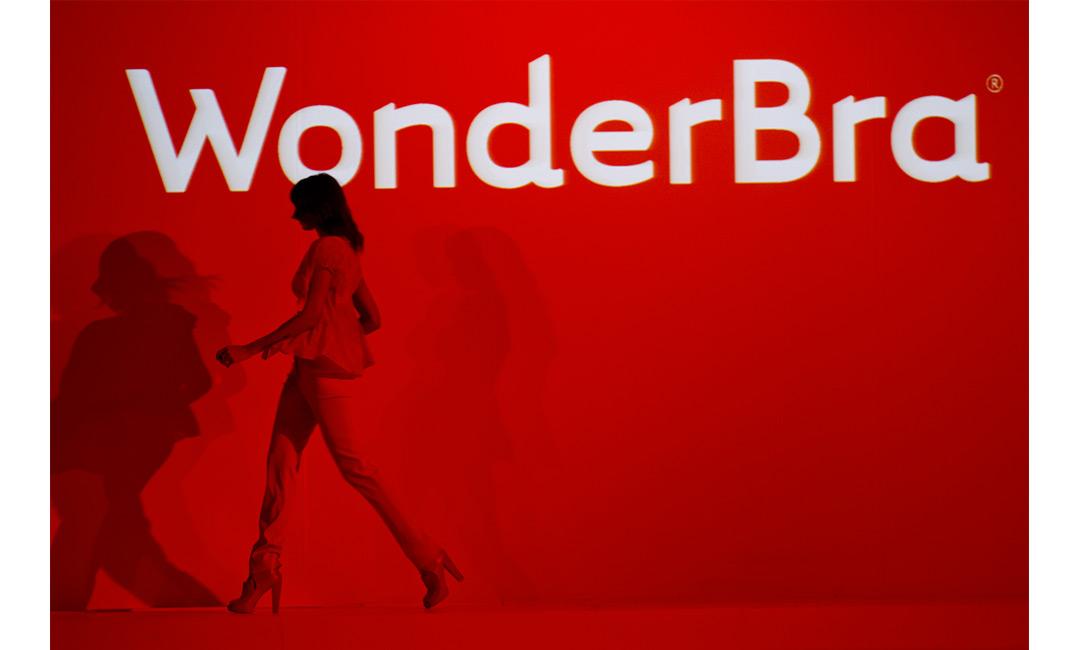 Wonderbra_01